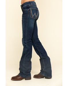 Emma Mae, Wrangler Jeans, Best Jeans, Country Outfits, New Wardrobe, Stretch Jeans, Jeans And Boots, Cool Outfits, Chevy Trucks