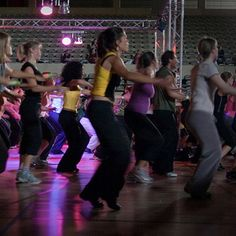 I LOVE Zumba! Straight From the Mouth of a Zumba Instructor: Tips For Class Newbies Fitness Tips, Fitness Motivation, Health Fitness, Zumba Fitness, Intense Cardio Workout, Aerobics Classes, Zumba Instructor, Sweat It Out, Interval Training