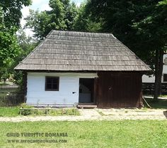 Muzeul Satului Shed, Outdoor Structures, Cabin, House Styles, Home Decor, Pictures, Homemade Home Decor, Backyard Sheds, Cabins