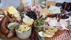 Find great recipes for breakfast, lunch, dinner and holidays, too. Search for recipes from chefs and experts seen on CTV Life Channel and CTV's The Marilyn Denis Show, Your Morning and The Social. Appetizer Recipes, Snack Recipes, Appetizers, Snacks, Charcuterie Recipes, Charcuterie Board, Roasted Ham, Cranberry Chutney, Good Food