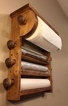Kitchen Roll Holder, Diy Casa, Into The Woods, Diy Holz, Diy Interior, Kitchen Interior, Interior Design, Home Organization, Organizing