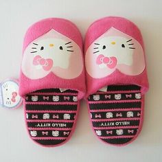Hello Kitty Slippers Slip On Size L Brand: Sanrio Collection: Hello Kitty Size: L Colors: Pink, White, Black, Yellow Condition: New with retail hang tag Slip On Boots, Fur Boots, Bedroom Slippers, Slippers For Girls, Green Glitter, Hang Tags, Sanrio, Kids Fashion, Yellow