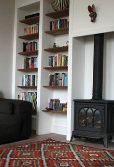 fireplace and bookcase Built In Shelves Living Room, Bookshelves Built In, Living Room Tv, Living Room With Fireplace, Traditional Style Kitchen Ideas, Wood Stove Decor, Freestanding Fireplace, Box Houses, Family Room Decorating