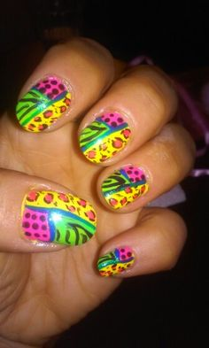 Crazy jungle nails