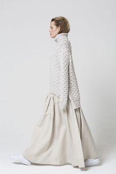 — charlottehannahcasey: Salassi couture knit fashion looks inspiration Knitwear Fashion, Knit Fashion, Fashion Outfits, Womens Fashion, New Shape, Mode Inspiration, Pulls, Winter Fashion, Street Style