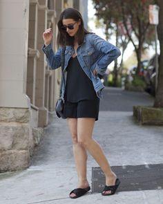 sara donaldson look total black denim jacket