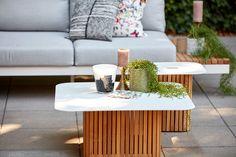 Deze Savona Salontafel is nieuw in de collectie bij Suns. En wat een leukerd! Past perfect in de gehele nieuwe Savona lijn. Zeker omdat deze salontafel een Solar panel bevat, die je voorziet van die extra sfeer op de mooie zomeravonden.
