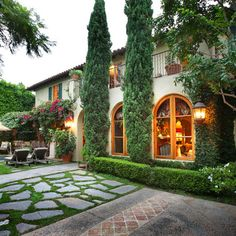 Exterior Estates Design Ideas, Pictures, Remodel and Decor