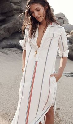 Absolutely adore this shirt dress. Perfect to throw on almost anywhere! Dress up or take it to the beach. Shirtdress Outfit, Outfit Stile, Look Fashion, Womens Fashion, Beach Fashion, Gothic Fashion, Diy Fashion, Street Fashion, Normcore