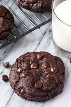 These bakery style double chocolate chip cookies are fudgy, gooey, gigantic and just about everything you could ever want in a cookie. Especially if you're a true chocolate lover like me. The cookies are made Double Chocolate Chip Cookie Recipe, Chocolate Recipes, Chocolate Chips, Milk Cookies, Drop Cookies, Cake Recipes, Dessert Recipes, Desserts, Vanilla Recipes