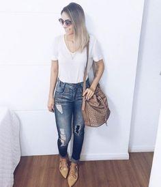 Olha que linda a @thayssvenancio com nossa sapatilha do Verão 17. Pra ver como dá pra criar um look super confortável sem perder o estilo😘#miezko #lookdodia