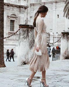 Such a classy look for a civil wedding ✨ Beauty via 📸 Elegant Dresses, Beautiful Dresses, Modest Fashion, Fashion Dresses, Classy Fashion, Civil Wedding, Fringe Dress, How To Look Classy, Classy Looks