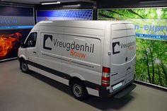 Onlangs hebben wij voor de firma Vreugdenhil Bouw hun nieuwe bus voorzien van hun logo en adres gegevens.