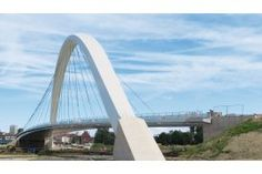 Le pont Citadelle à Strasbourg, Grand prix de l'ingénierie 2016. Le grand arc métallique de 181,5 m d'ouverture supporte un tablier en caisson très élancé. Strasbourg, Grands Arcs, Grand Prix, Ouvrages D'art, Construction, Architecture, Bridge, Bridges, Audio Engineer