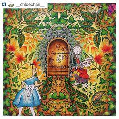 """""""Alice no País das Maravilhas #Repost @__chloechan__ with @repostapp. #Alice #coolorindo #jardimsecreto #jardinsecret #instacolor #cor #coolorindo…"""""""