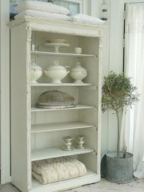 Finally White: Une belle armoire......love the linens ~❤
