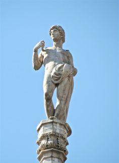 S. Genesio G2 #AdottaUnaGuglia #GetYourSpire Ricorrenza il 25 Agosto.  Patrono degli attori Statue, Collection, Art, Art Background, Kunst, Performing Arts, Sculptures, Sculpture, Art Education Resources
