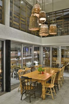 Nicosia-based M.B Interior Architects has designed The Shop Souflaki Etc, a modern tavern that serves Greek and Cypriot cuisine. Urban Concept, Outdoor Tables, Outdoor Decor, Interior Design Studio, Interior Architects, Dining Table, Restaurant, House Design, Outdoor Furniture