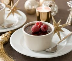 Festive Dark Chocolate and Cinnamon Brulee: Classic Créme Brulee gets a twist with this Festive Dark Chocolate & Cinnamon Brulee recipe. http://www.bakers-corner.com.auhttps://www.bakers-corner.com.au/recipes/desserts/festive-dark-chocolate-and-cinnamon-brulee/