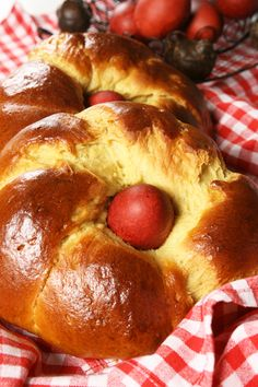 easter bread 'tsoureki'