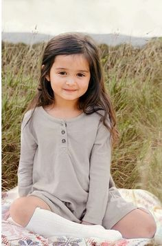 Beuty Cute Little Baby Girl, Cute Kids Pics, Cute Baby Girl Pictures, Cute Young Girl, Baby Photos, Cute Girls, Cute Babies Photography, Children Photography, Cute Girl Dresses