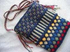 Dots and Stripes purse by Patti Henry Free pattern via Ravelry Knitting Patterns Free, Knit Patterns, Free Knitting, Free Pattern, Fair Isle Knitting, Crochet Purses, Crochet Bags, Purse Patterns, Knitted Bags