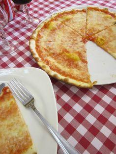 Margaritha Pizza in Rome, Italy Rome Italy, Food Porn, Pizza, Treats