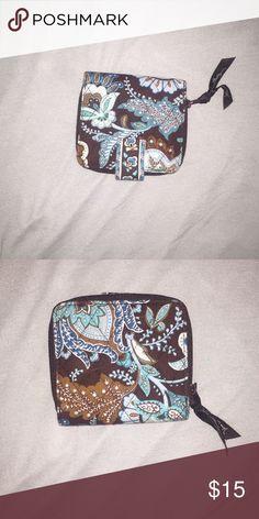 Vera Bradley wallet brown and blue Vera Bradley wallet never been used Vera Bradley Bags Wallets