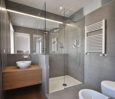 Sfoglia le immagini di Bagno in stile in stile Moderno di casa P. Lasciati ispirare dalle nostre immagini per trovare l'idea perfetta per la tua casa.