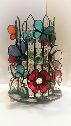 LH Note - nice mini project - 4 panels and 3 embellishments Stained Glass Light, Stained Glass Ornaments, Making Stained Glass, Stained Glass Flowers, Stained Glass Suncatchers, Stained Glass Designs, Stained Glass Panels, Stained Glass Projects, Stained Glass Patterns