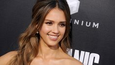 These Are The 6 Beauty Products Jessica Alba Has With Her At All Times - SELF