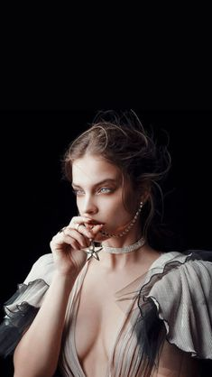 hollywood stars This woman is so beautiful its hard to believe she is even real. A heavenly angel of your dreams come true, Barbara Palvin knows exactly how a dress should be worn. Barbara Palvin, Top Celebrities, Hollywood Celebrities, Celebs, Img Models, Photographie Portrait Inspiration, Most Beautiful, Beautiful Women, Hollywood Stars