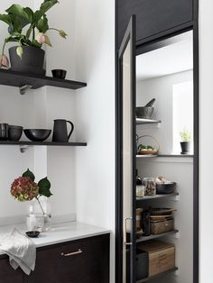 Bistro-kitchen-in-ash-brown-by-Ballingslov-of-Sweden-Remodelista-4