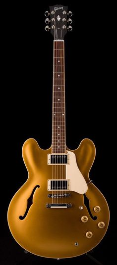 Gibson Memphis ES-335 in gold