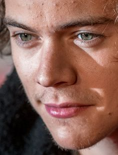 harry styles - more close-ups of harry styles can be found here