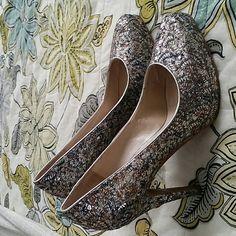 Nine West pumps with hidden platform. EUC. All that glitters isn't gold! Worn twice. Beautiful heels. Nine West Shoes Heels