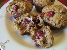 Recipes - Cranberry surprise muffins - Heart and Stroke Foundation of Canada Heart Healthy Desserts, Heart And Stroke Foundation, Great Recipes, Favorite Recipes, Good Food, Yummy Food, Healthy Baking, No Bake Desserts, Muffins