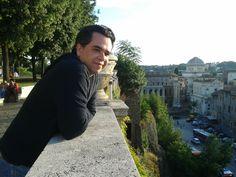 Isaac em Piazza di Spagna Roma