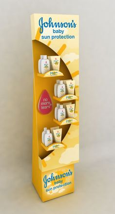 What a fun way to display Johnsons Baby Sun Care. Pos Display, Display Design, Booth Design, Display Shelves, Product Display, Display Stands, Point Of Sale, Point Of Purchase, Pos Design