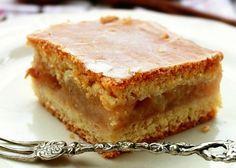 Romanian Desserts, Yummy Food, Tasty, Sugar Free Desserts, Raw Vegan, Cheesecakes, Apple Pie, Deserts, Food And Drink