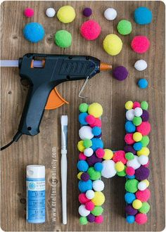 Fashion Bubbles - Mode als Kunst, Kultur und Lifestyle Custom Abadás - Perlen, Pompons und andere Mo Kids Crafts, Cute Crafts, Crafts To Do, Arts And Crafts, Paper Crafts, Easy Crafts, Diy Tumblr, Diy Projects Room Decor, Craft Projects