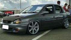 """Chevrolet Corsa Classic 2005 com rodas aro 17"""" e pneus Nankang 185/35/17"""
