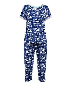 Whether drifting off to sleep or just lounging around on the couch, this set of jammies offer cozy comfort a stretch-enhanced design. Flame Resistant