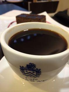 Café Americano de Garat @ Salón Centurión American Express en AICM T2. ¡Muy bien!