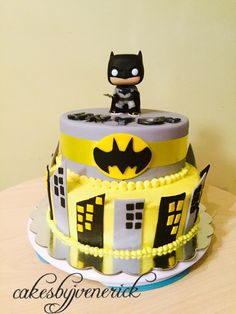 Batman Cake in fondant and Buttercream icing