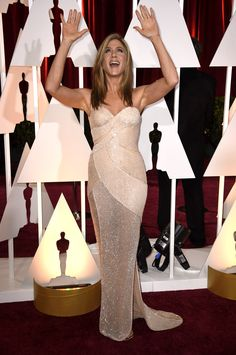 Jennifer Aniston. If her hair wasn't a 2015 version of the Rachel, it'd be a showstopper. But since the hair is boring, it's a mediocre Thursday night.