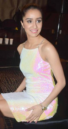 Lakme Fashion Week Showstopper Shraddha Kapoor models a sparkly dress for Miss Bennett Indian Bollywood Actress, Beautiful Bollywood Actress, Beautiful Indian Actress, Bollywood Fashion, Indian Actresses, Indian Celebrities, Bollywood Celebrities, Lakme Fashion Week 2015, Shraddha Kapoor Cute