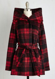 You Don't Know Jackson Coat in Plaid From the Plus Size Fashion Community at www.VintageandCurvy.com