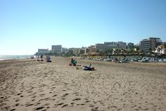 Best Costa del Sol beaches and the worst! Spain, with large pictures and compact information on environment, sand and water quality, facilities - Bugbog Andalusia Spain, Sand And Water, Water Quality, Beaches, New York Skyline, October, Environment, Street View, Travel