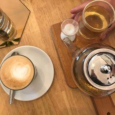 Beanz Café - Pau 64 - Blog Thé de Bon Poil Dog Bowls, Tableware, Blog, Small Cafe, Hair, Dinnerware, Dishes, Blogging, Place Settings